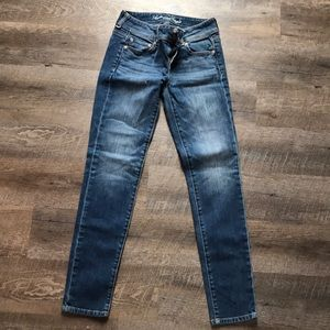 Girls double buttoned light wash jeans